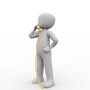 電話の向こうでお経を唱え始めた