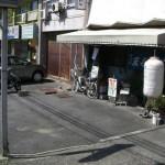 店先には二台分の駐車場