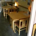 テーブル(4人掛x2卓) 玄関側から