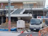 鳴海駅前広場整備中(市バスの降車所も)